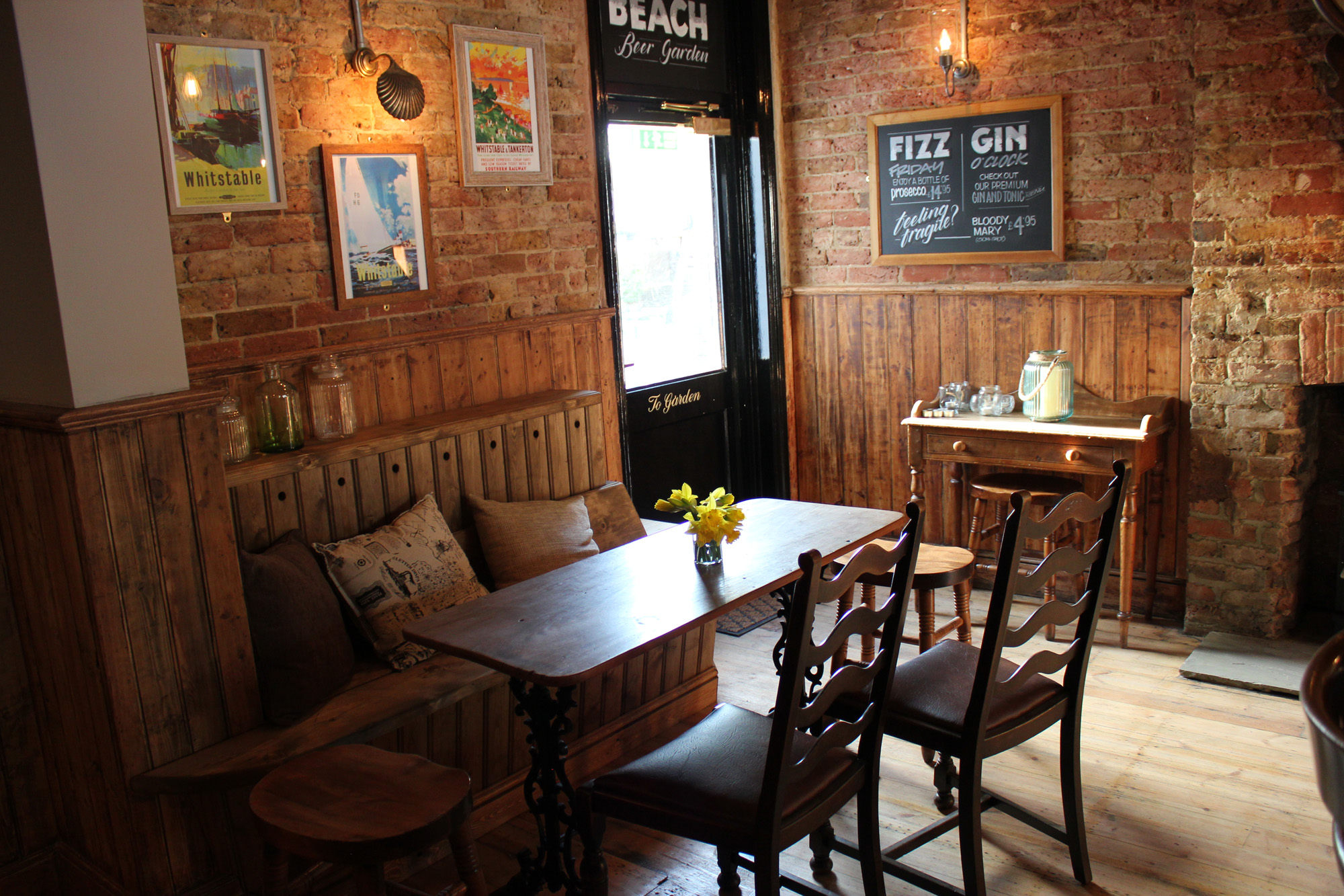 Food and drink at the Smack Inn Whitstable